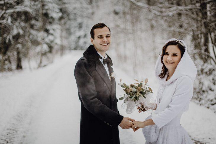Dokumentarische Hochzeitsfotografie by Raissa + Simon. Winterhochzeit im Bayrischen Wald