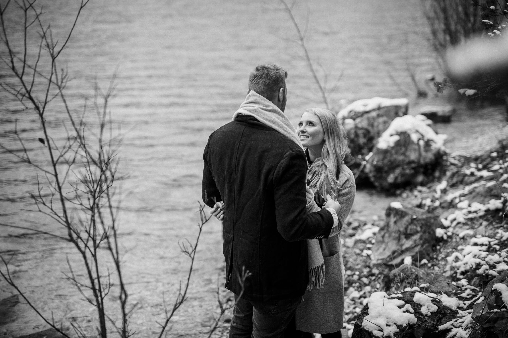 Raissa + Simon Fotografie | Coupleshooting-Bayern-Eibsee-Winter