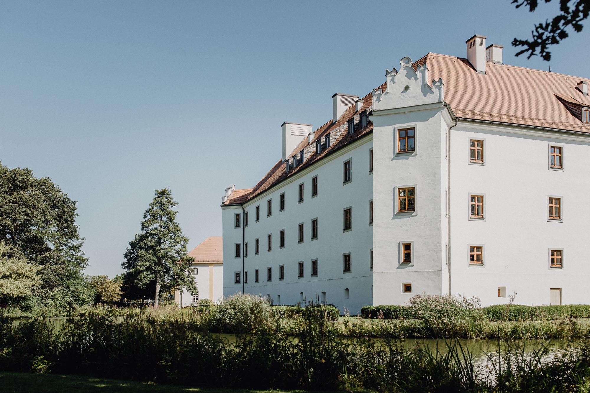 raissa simon photography destination wedding munich bayern schloss hohenkammer 003 - Andi + Joni