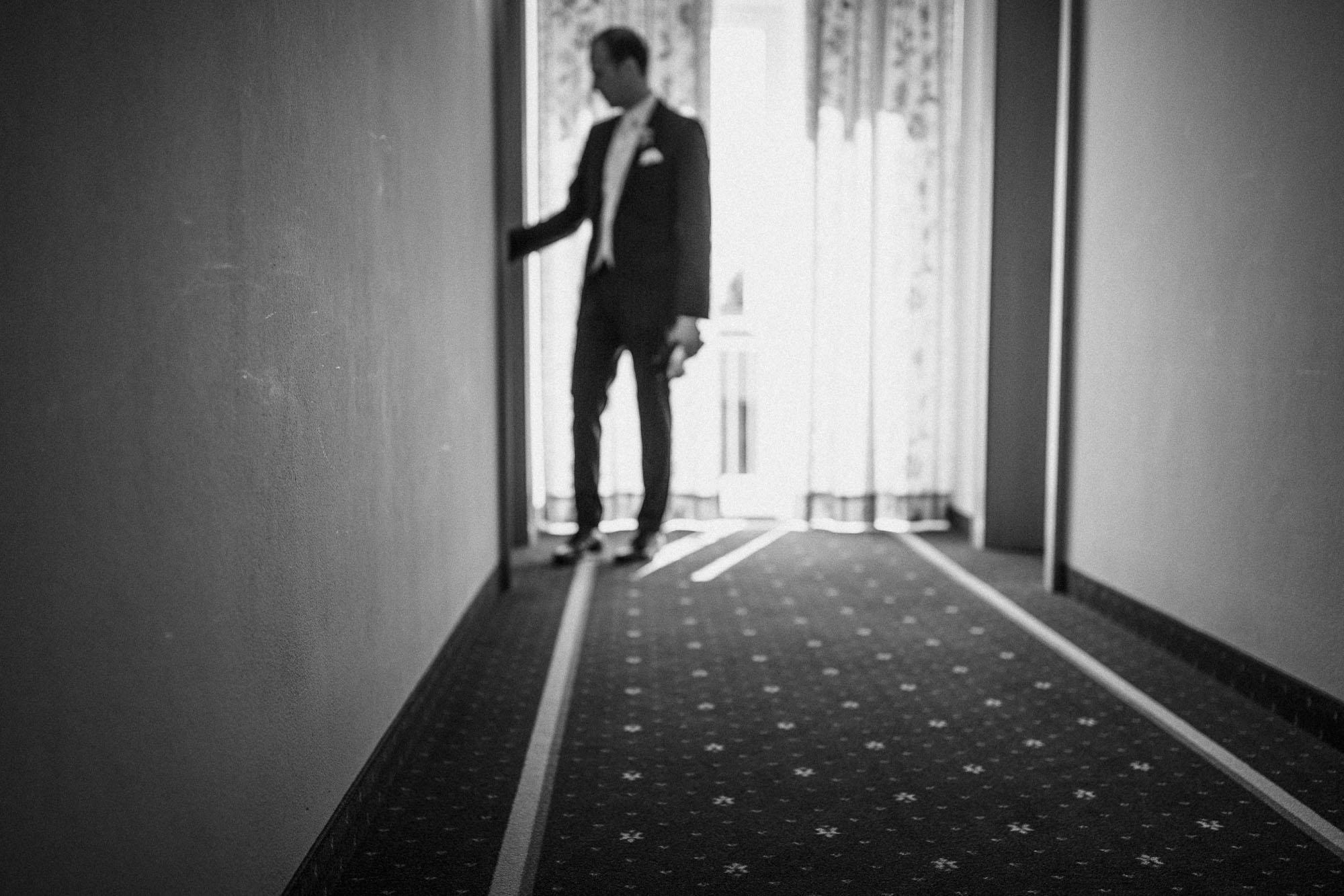 raissa simon photography destination wedding munich bayern schloss hohenkammer 014 - Andi + Joni