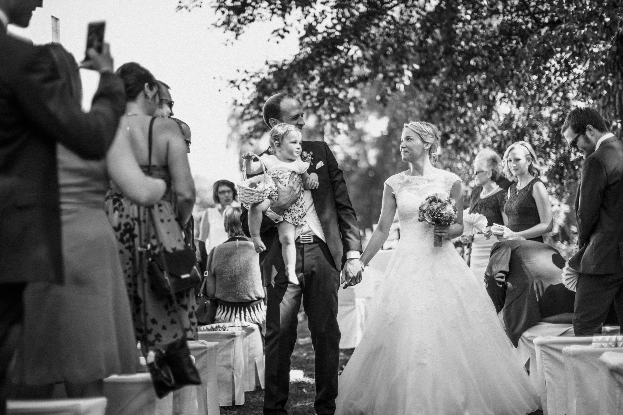 raissa simon photography destination wedding munich bayern schloss hohenkammer 028 - Andi + Joni