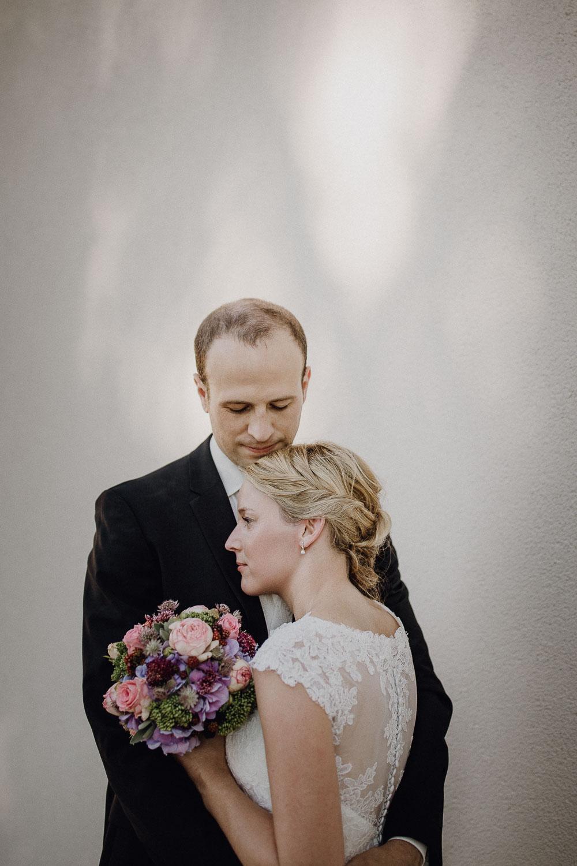 raissa simon photography destination wedding munich bayern schloss hohenkammer 039 - Andi + Joni
