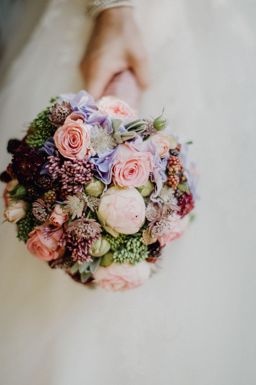 raissa simon photography destination wedding munich bayern schloss hohenkammer 049 - Andi + Joni