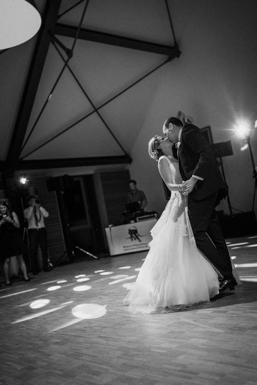 raissa simon photography destination wedding munich bayern schloss hohenkammer 060 - Andi + Joni