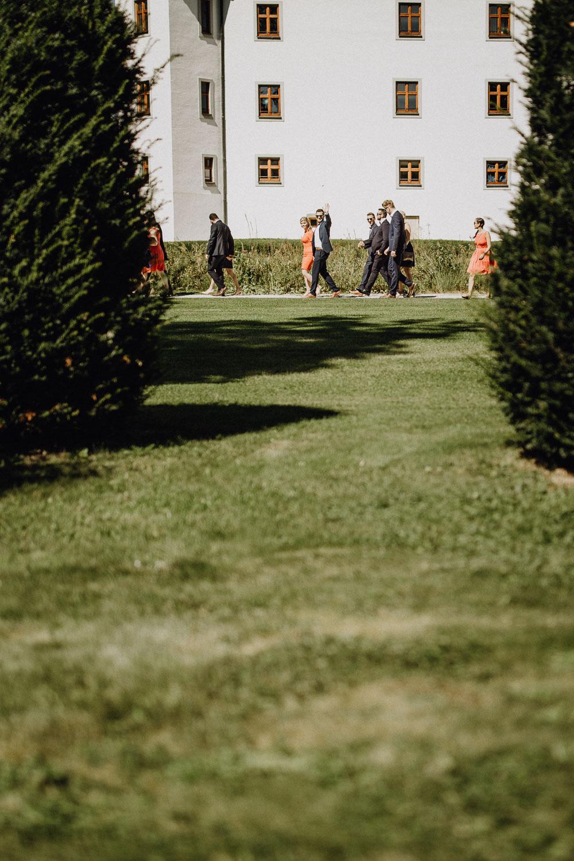 raissa simon photography destination wedding munich bayern schloss hohenkammer 071 - Andi + Joni