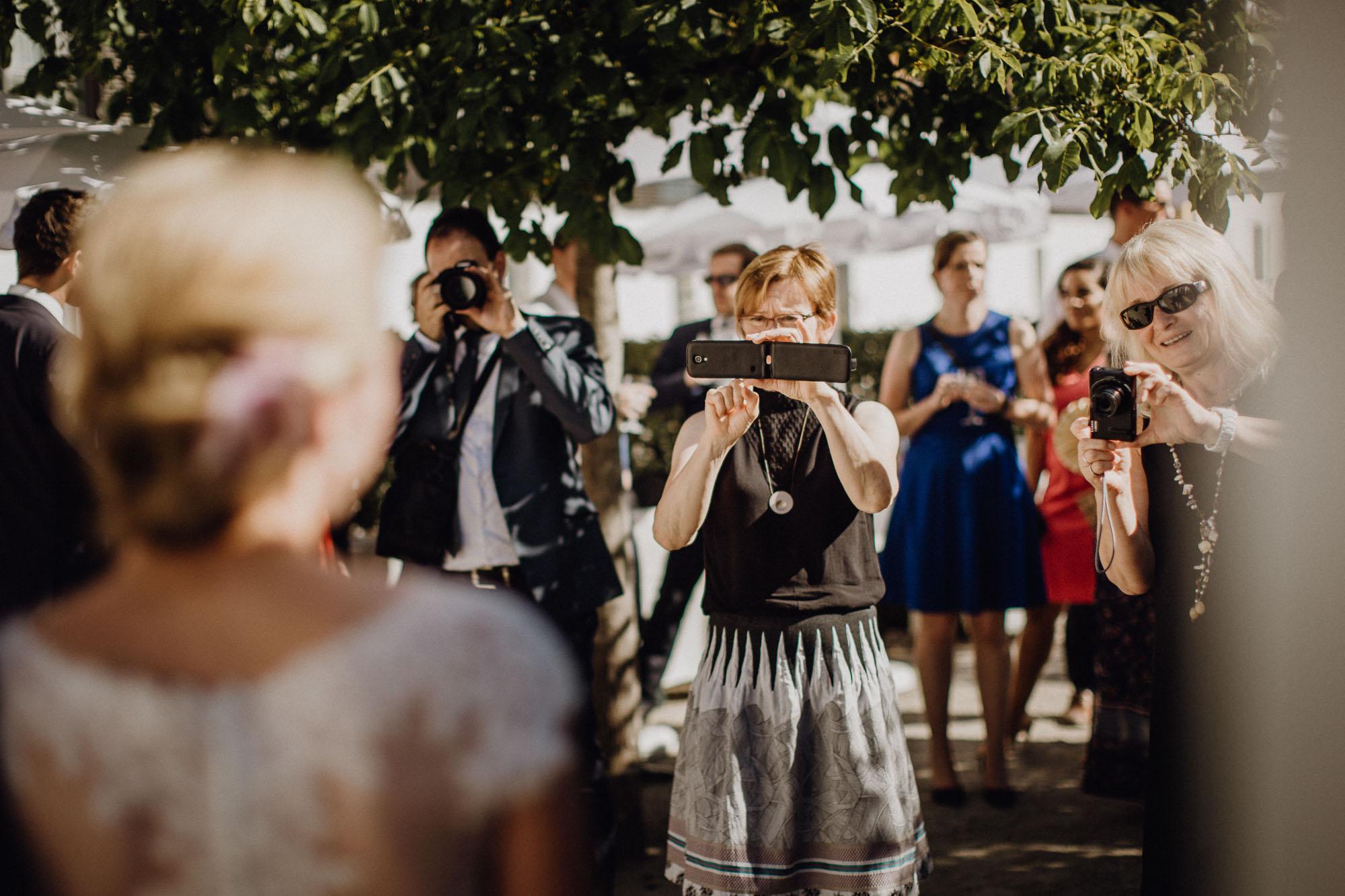 raissa simon photography destination wedding munich bayern schloss hohenkammer 078 - Andi + Joni