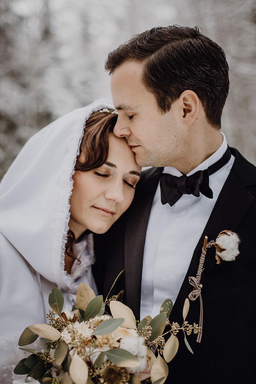 raissa simon photography destination wedding munich bayrischer wald winter snow 022 - Christine + Benjamin