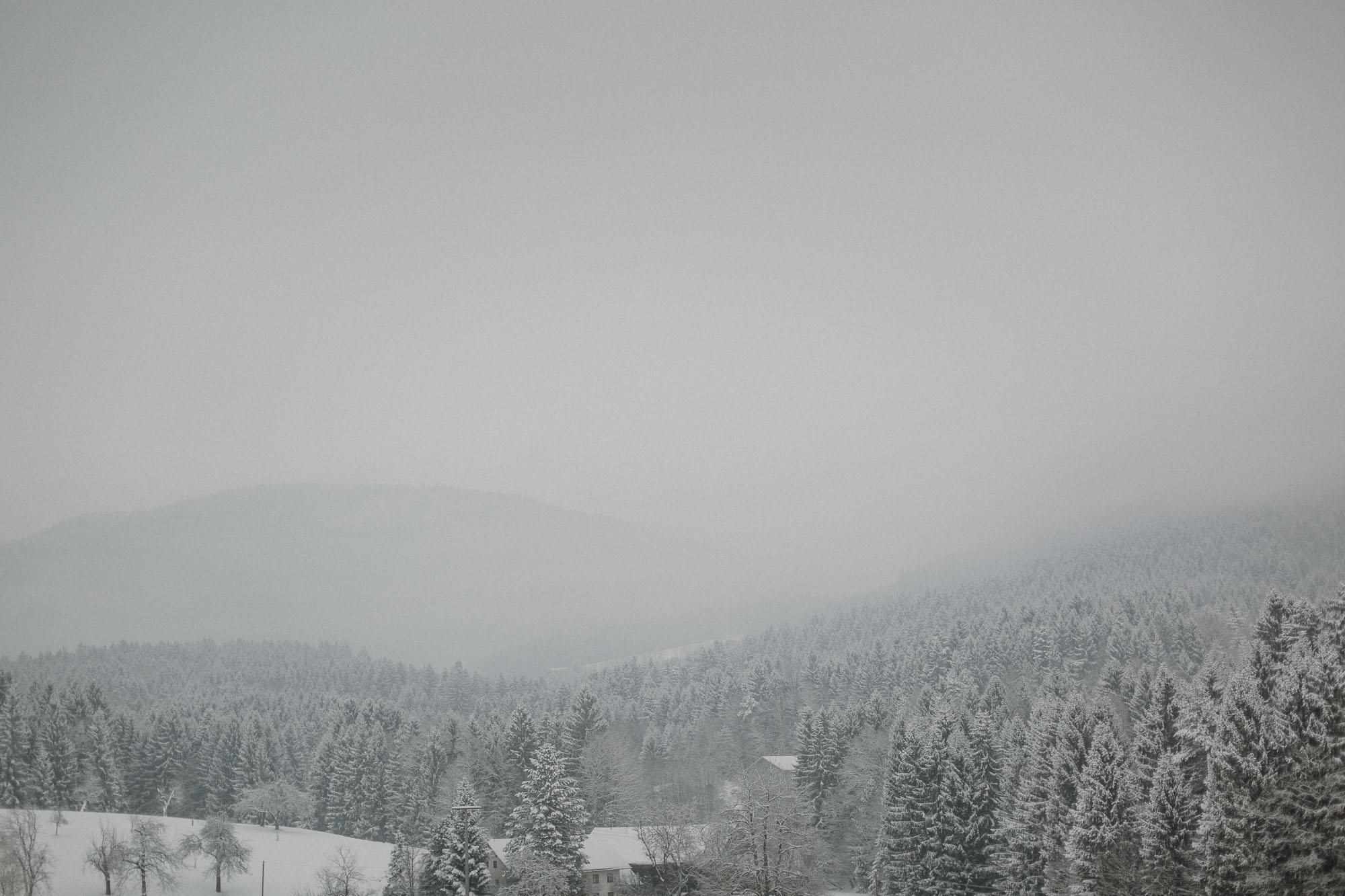 raissa simon photography destination wedding munich bayrischer wald winter snow 028 - Christine + Benjamin