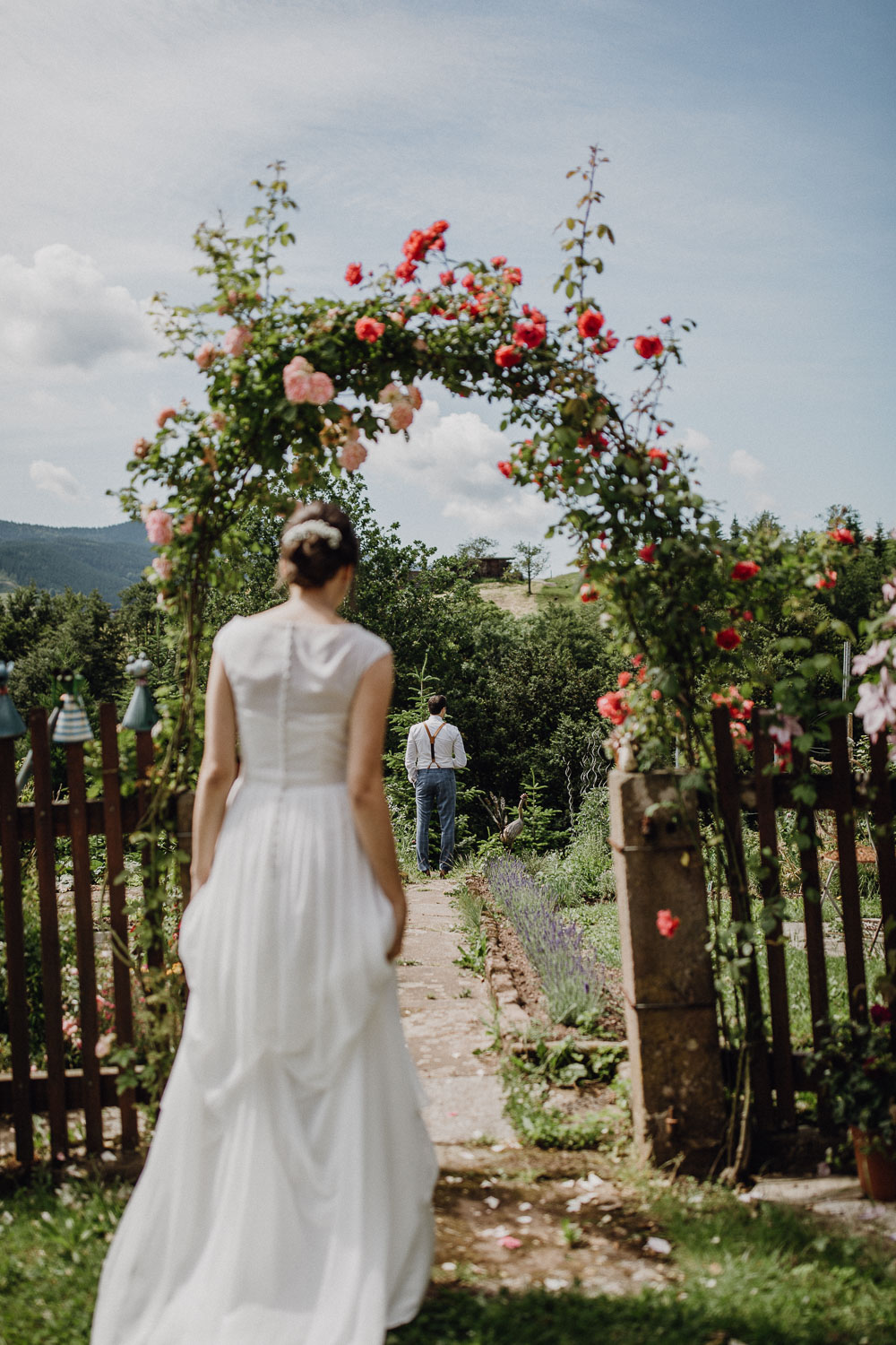 raissa simon photography destination wedding munich black forest barn 017 - Melanie + Sebastian