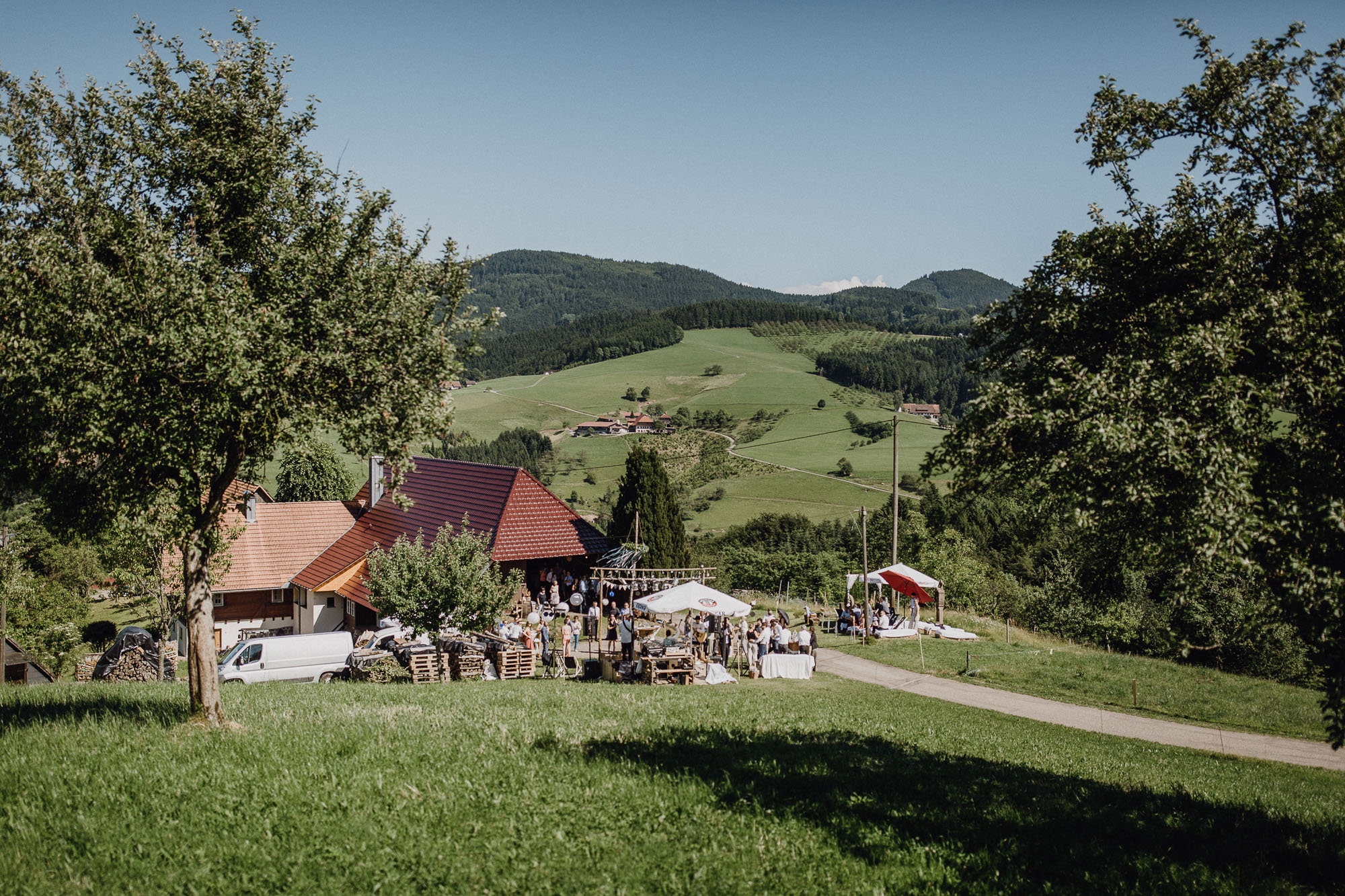 raissa simon photography destination wedding munich black forest barn 118 - Melanie + Sebastian