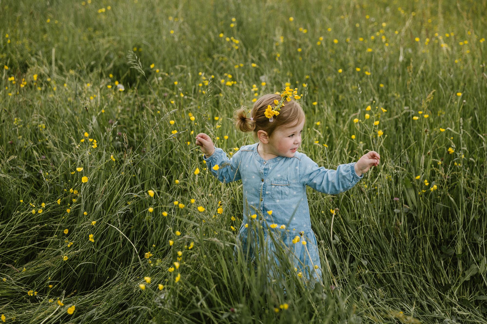 raissa simon photography family black forest kinzigtal nature kids fun032 - Steffi, Felix + Clara
