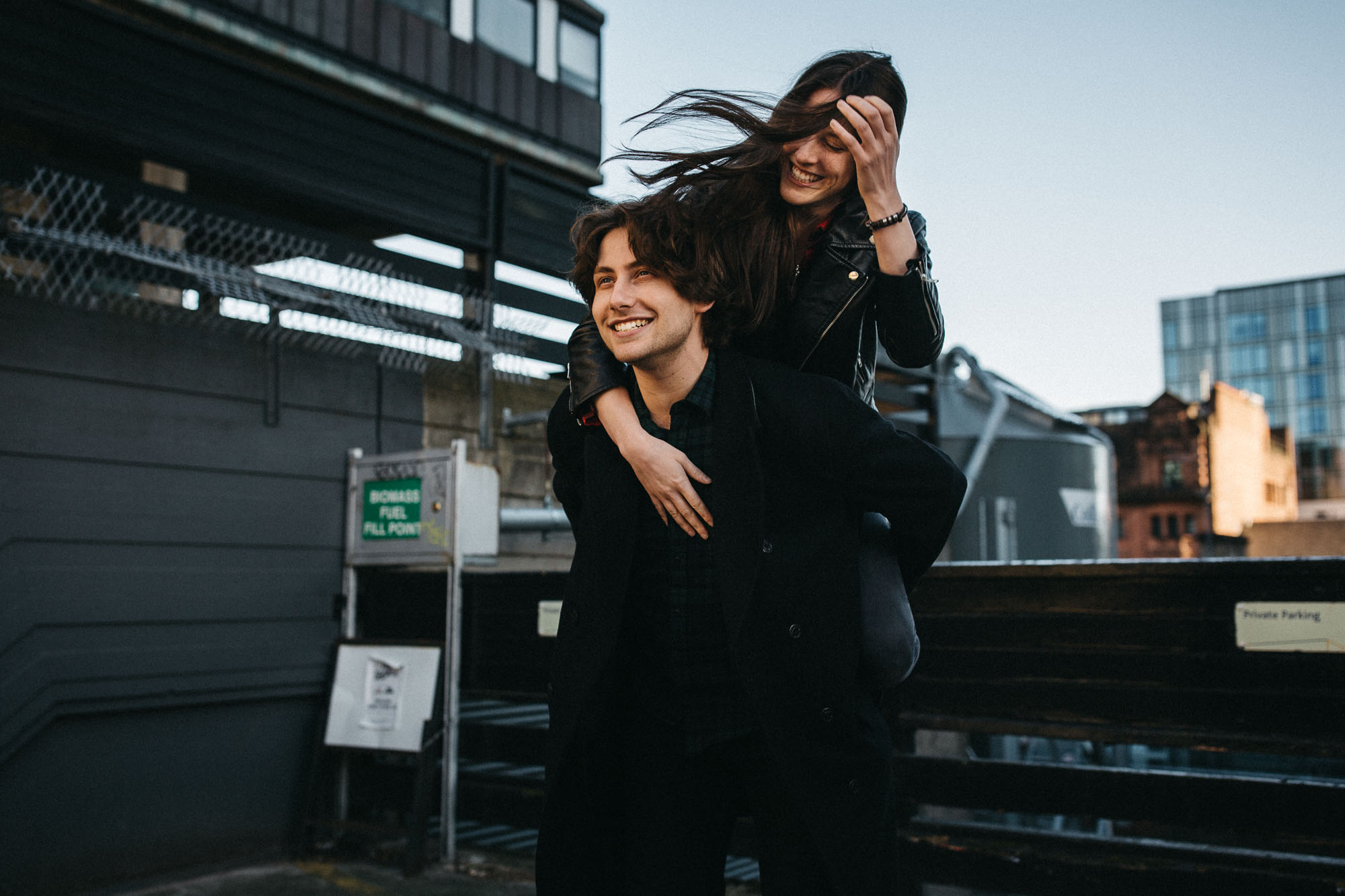 Urban Couple Shooting in the Streets of Glasgow - Raissa + Simon Fotografie