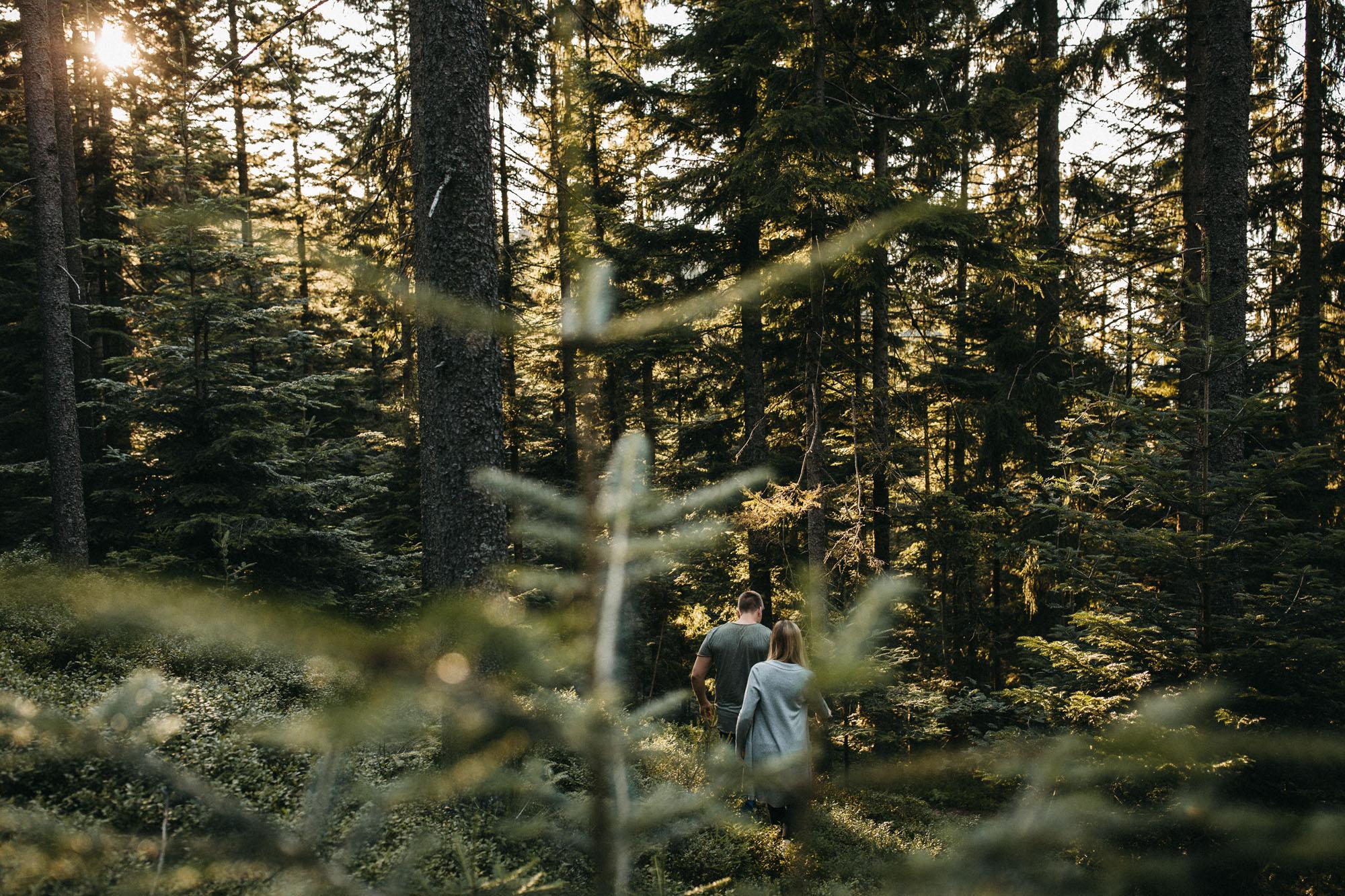 raissa simon photography hannah sven paar schwarzwald hornberg 18 - Hannah + Sven
