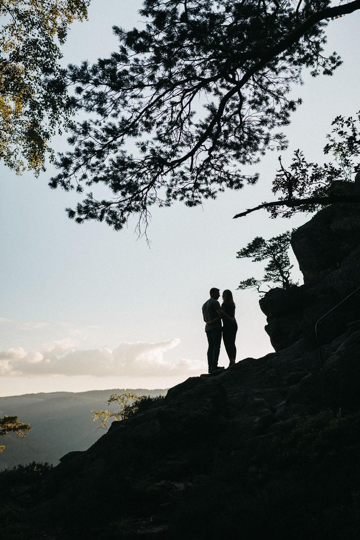 raissa simon photography hannah sven paar schwarzwald hornberg 63 - Hannah + Sven