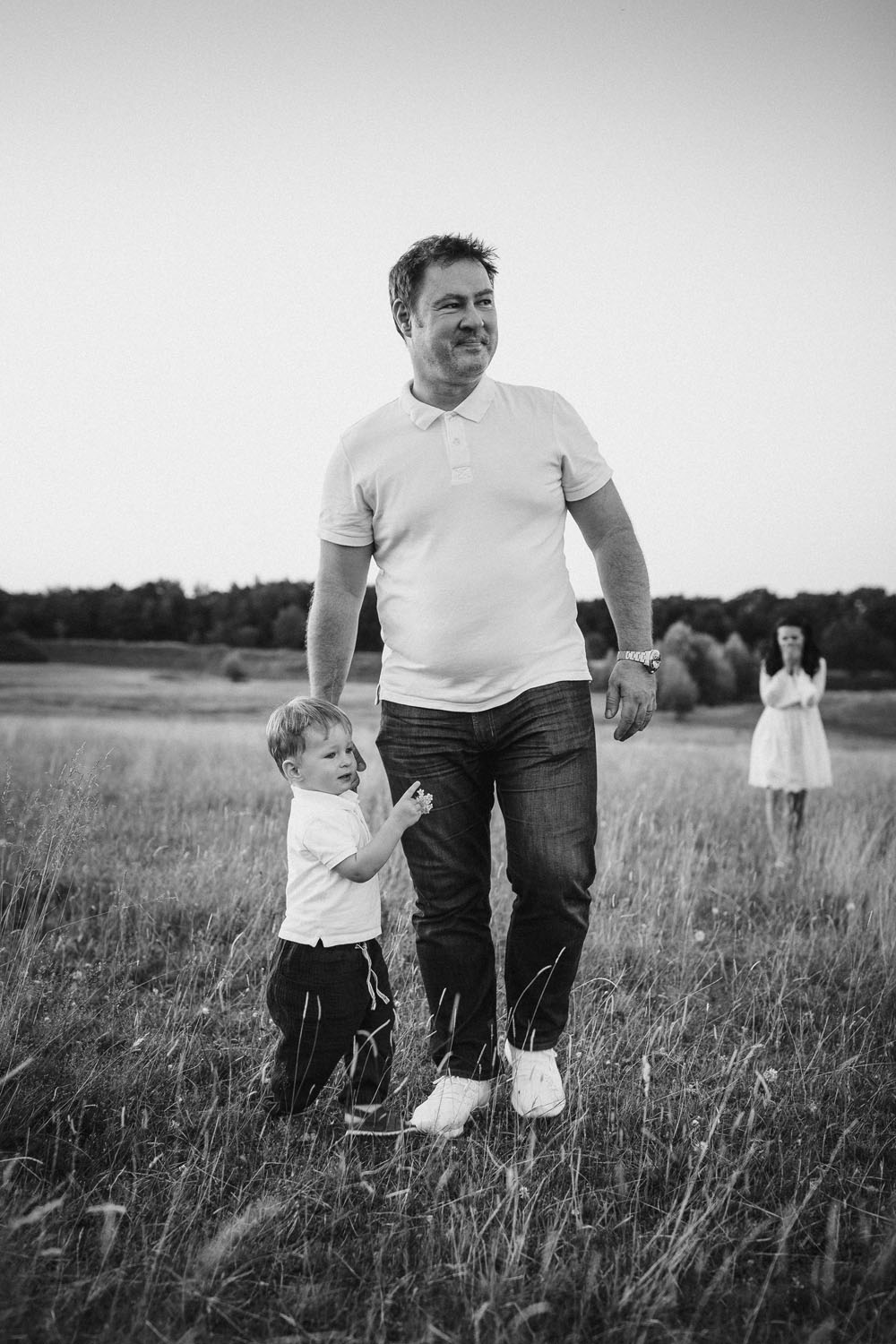 raissa simon photography family dragone augsburg bavaria meadow 064 - Viktoria, Sascha + Raffael
