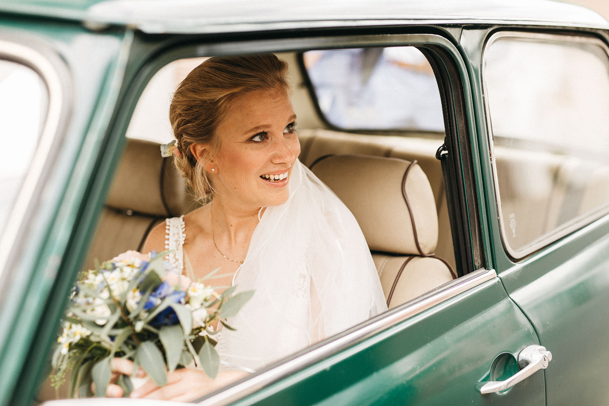 raissa simon photography wedding mosel kloster machern love authentic 055 - Kathrin + Dominik