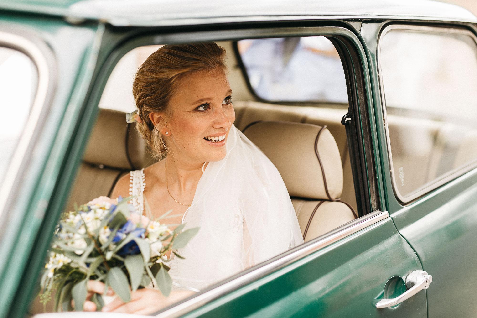 raissa simon photography wedding mosel kloster machern love authentic 055 - Kathrin + Dominik