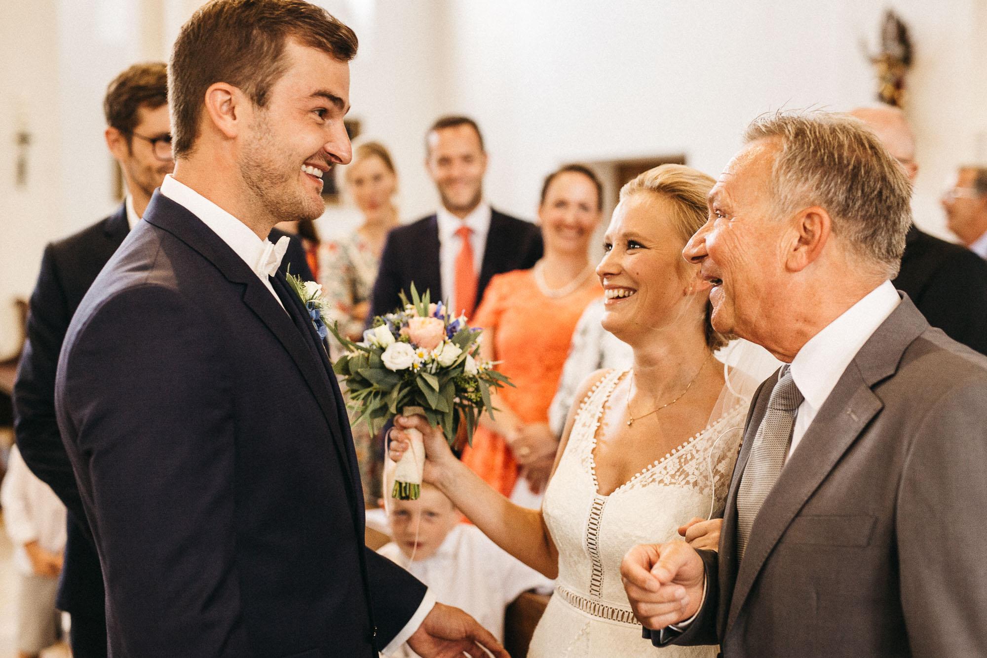 raissa simon photography wedding mosel kloster machern love authentic 124 - Kathrin + Dominik