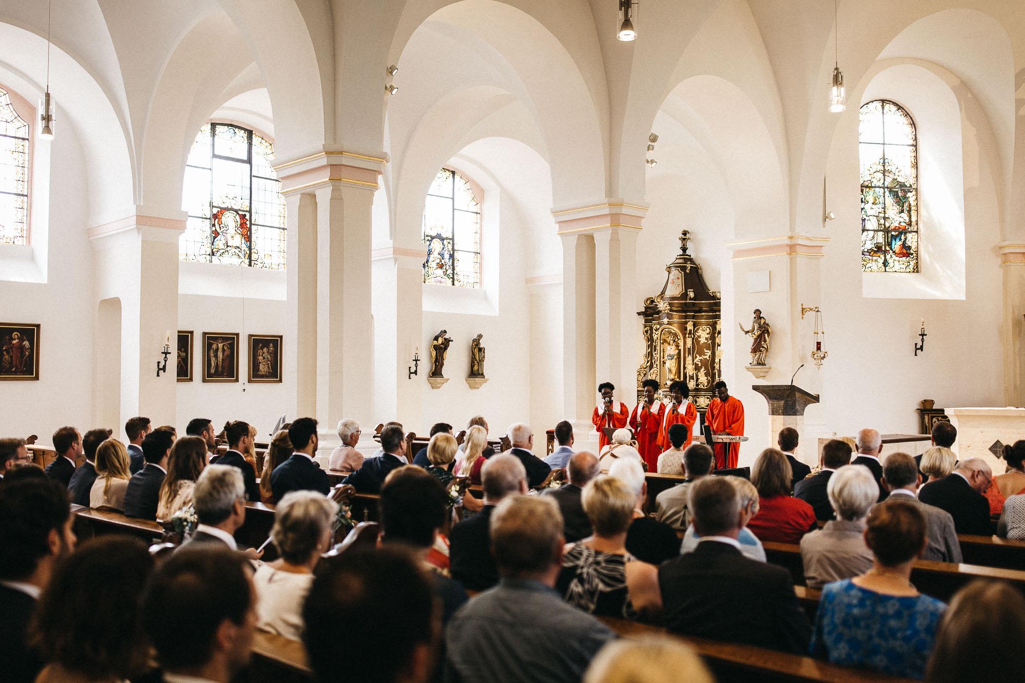 raissa simon photography wedding mosel kloster machern love authentic 146 - Kathrin + Dominik