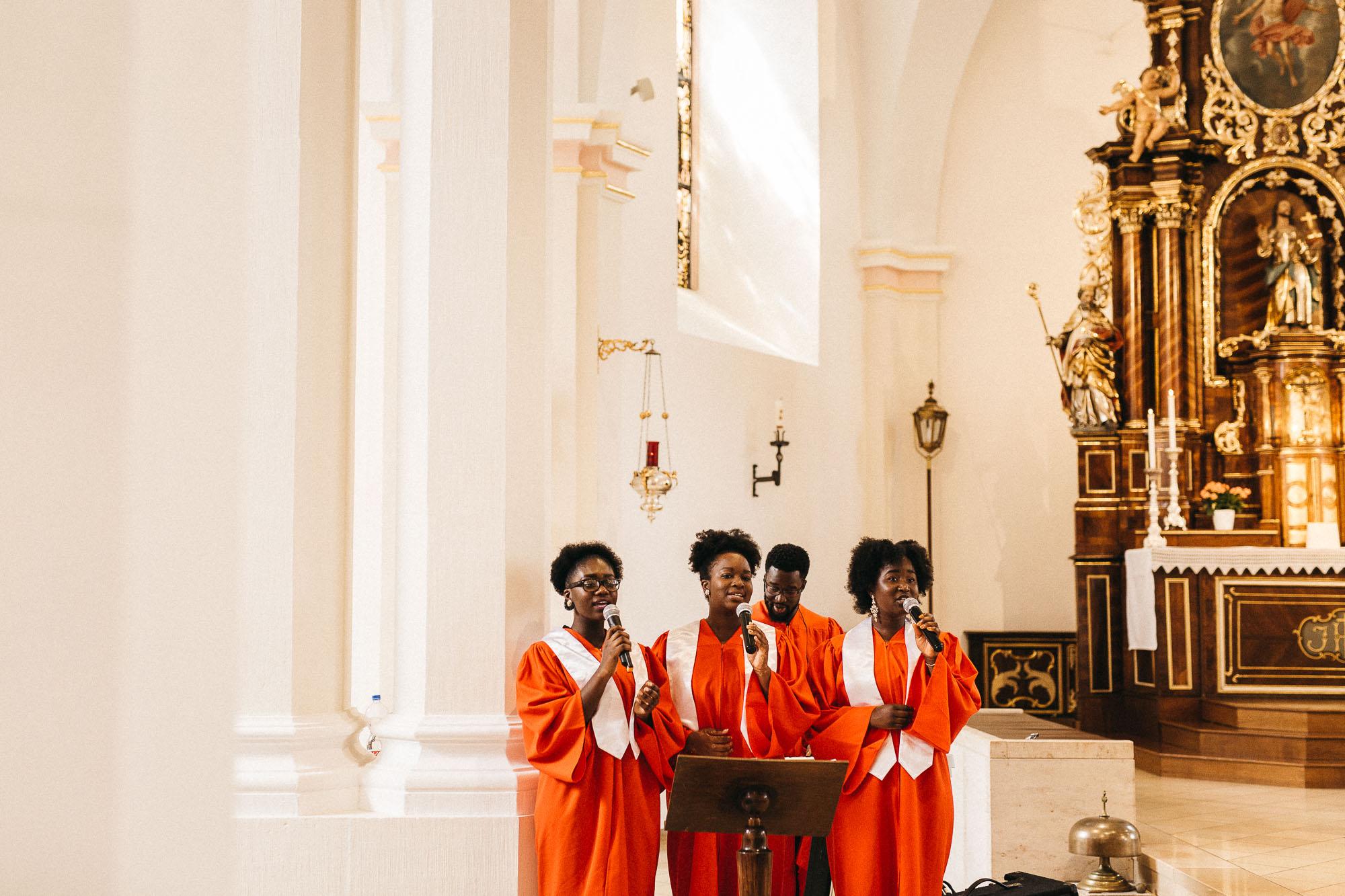 raissa simon photography wedding mosel kloster machern love authentic 159 - Kathrin + Dominik