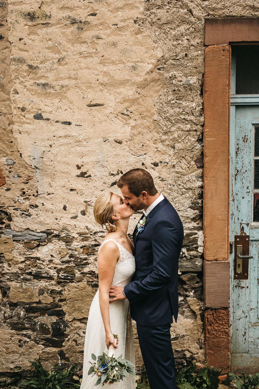 Emotionale Vintagehochzeit an der Mosel. Raissa + Simon Fotografie Hochzeitsfotograf Rheinland-Pfalz