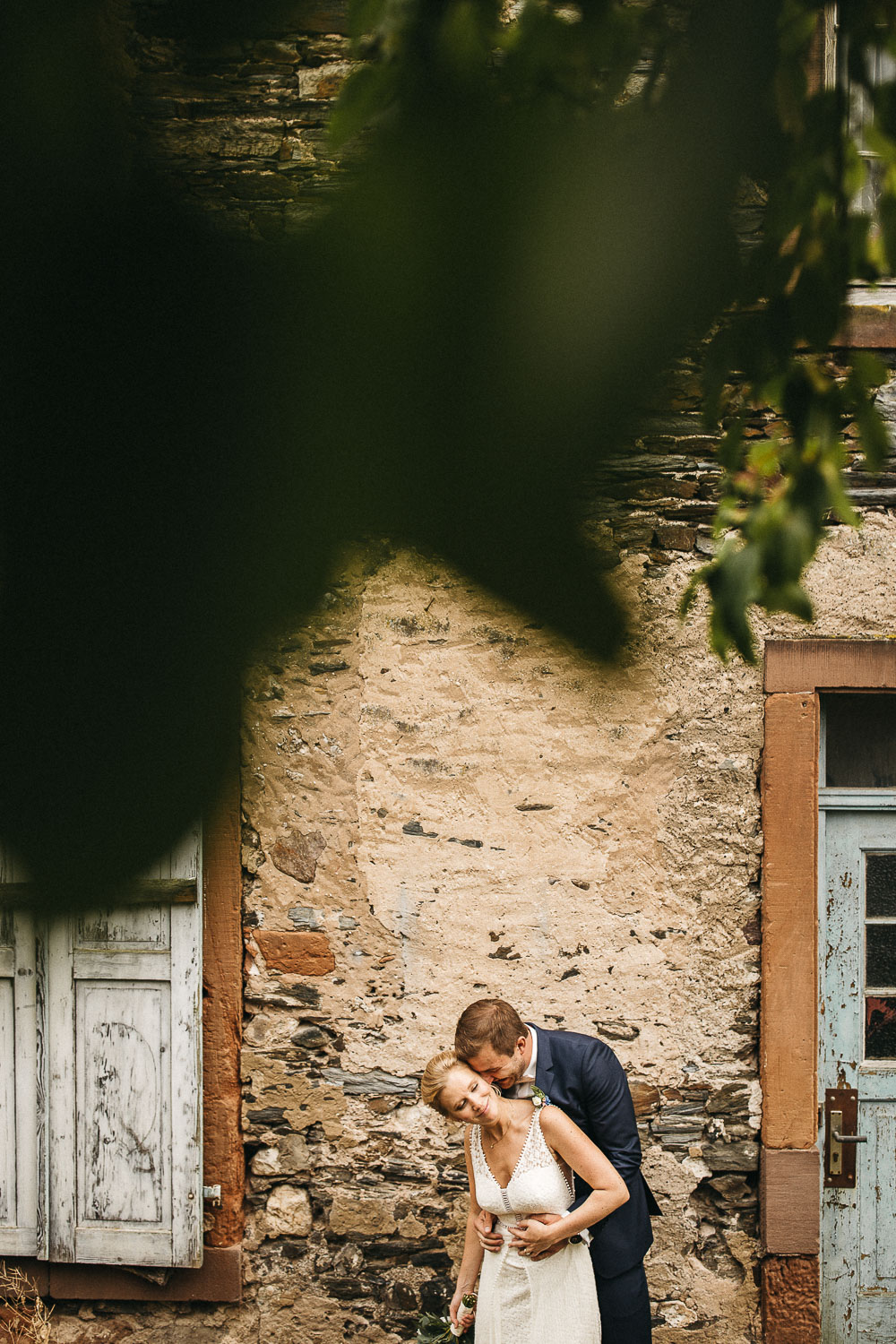 raissa simon photography wedding mosel kloster machern love authentic 272 - Kathrin + Dominik