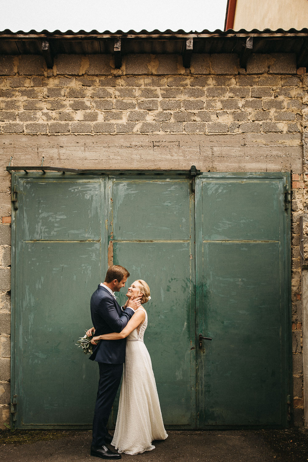 raissa simon photography wedding mosel kloster machern love authentic 308 - Kathrin + Dominik