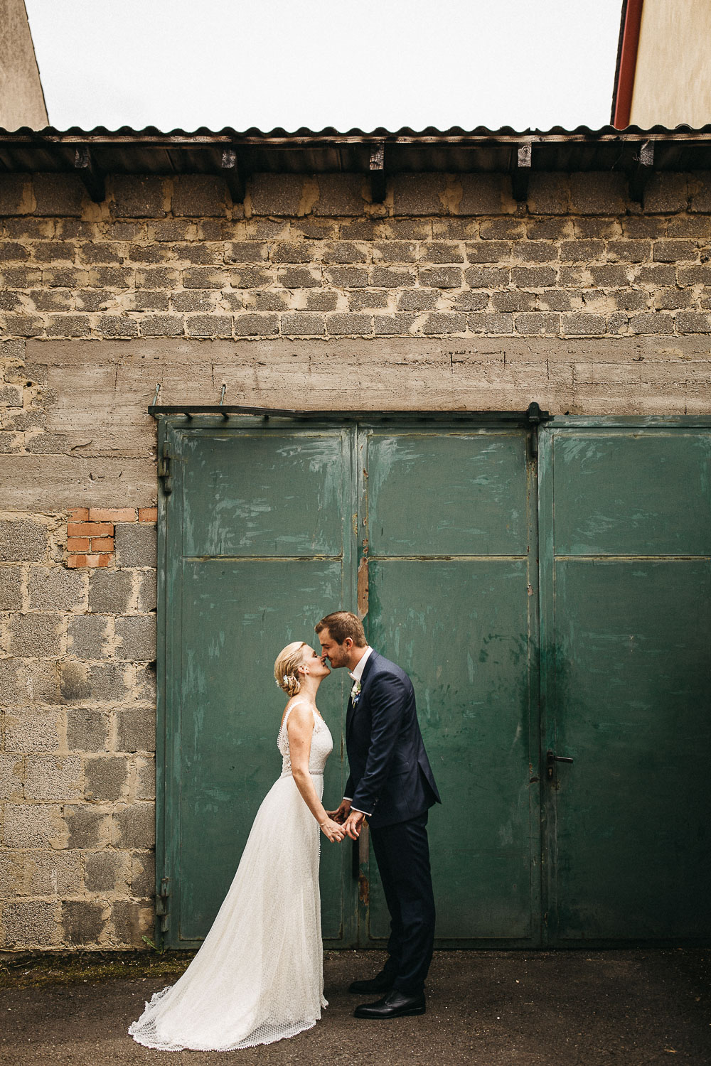 raissa simon photography wedding mosel kloster machern love authentic 316 - Kathrin + Dominik