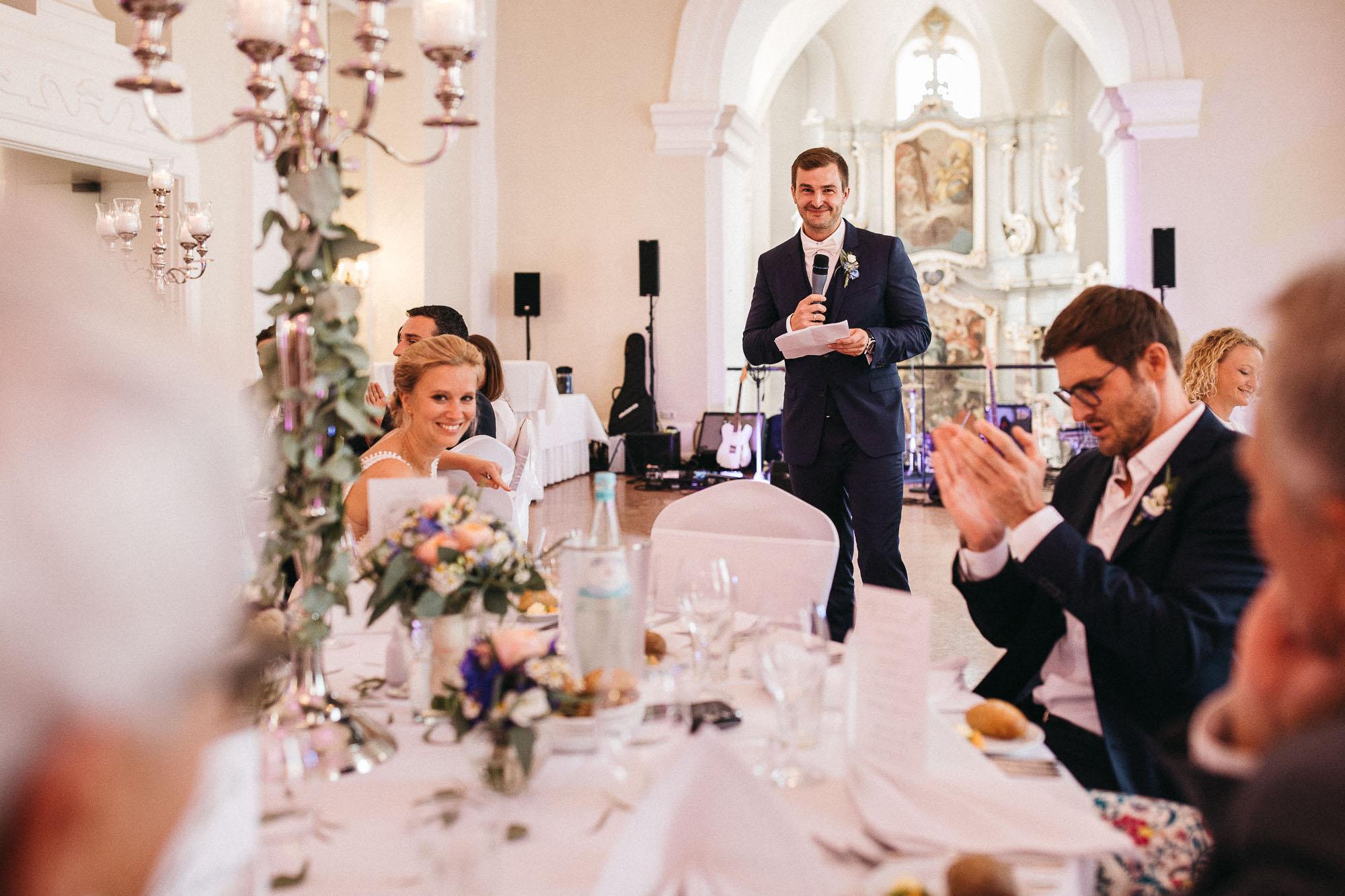Raissa + Simon Fotografie | Hochzeitsreportage-Regenhochzeit-Rheinland-Pfalz-Kloster-Machern