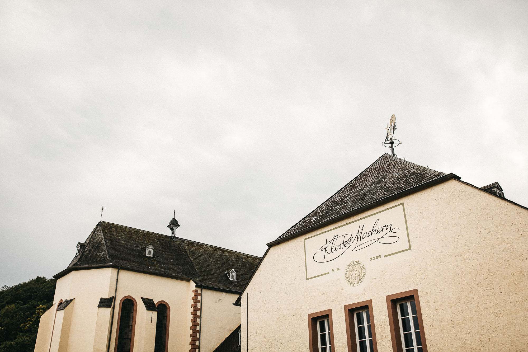 raissa simon photography wedding mosel kloster machern love authentic 634 - Kathrin + Dominik