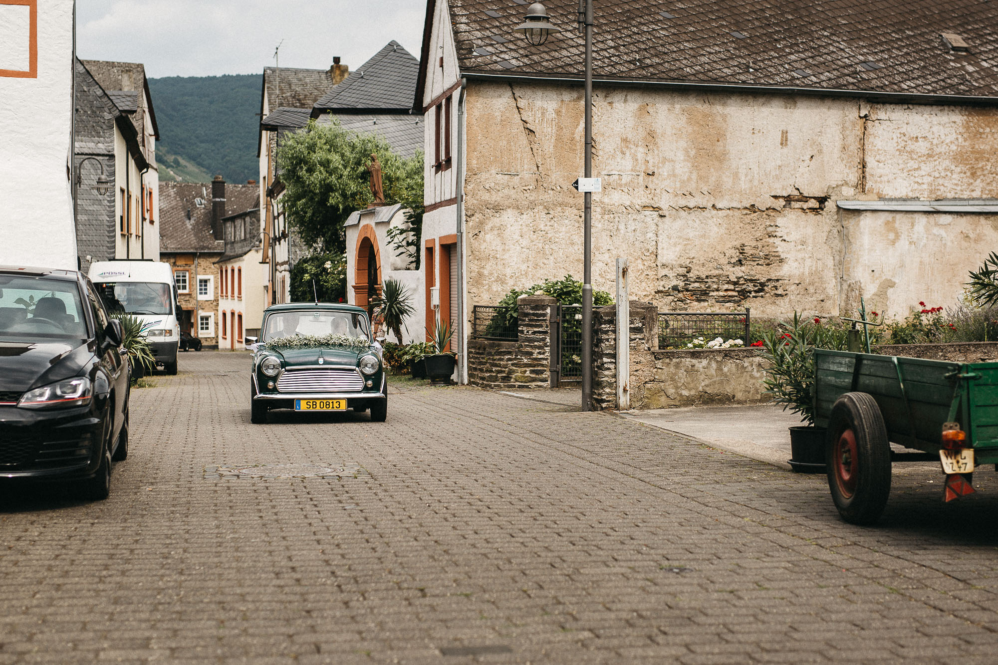 raissa simon photography wedding mosel kloster machern love authentic 242 - Kathrin + Dominik