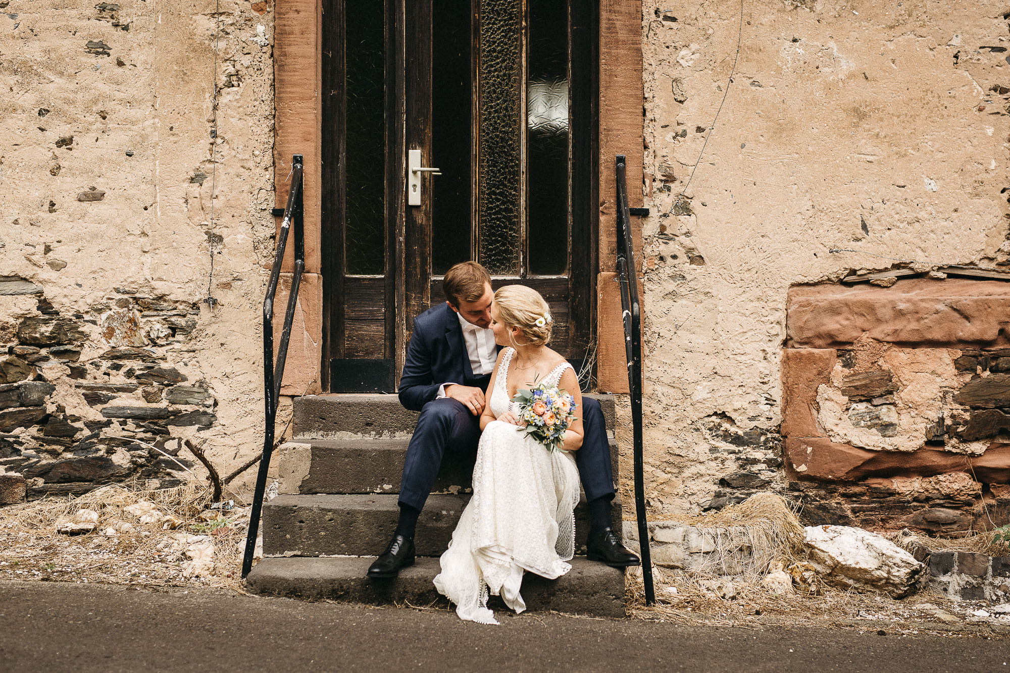 raissa simon photography wedding mosel kloster machern love authentic 293 - Kathrin + Dominik