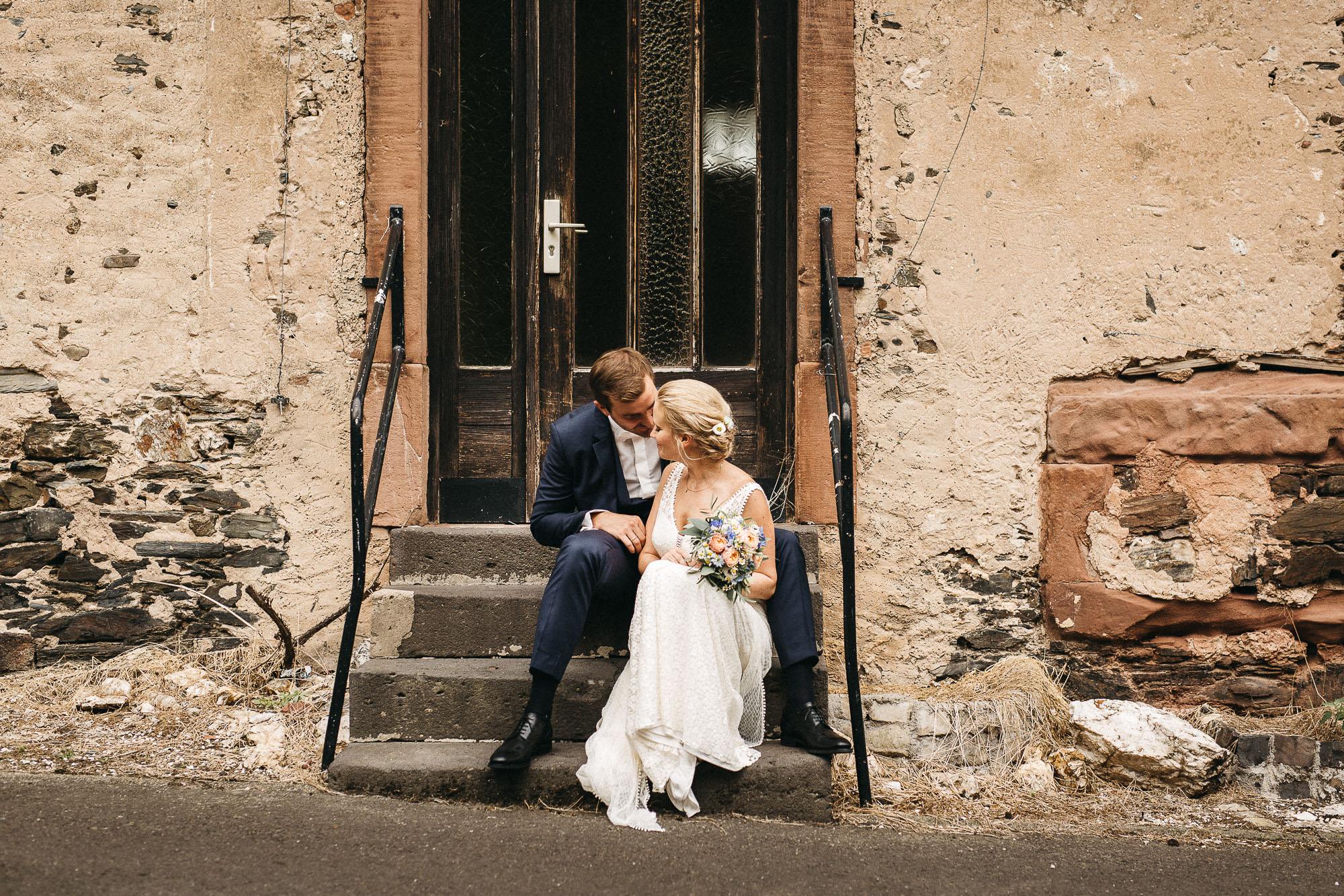 raissa simon photography wedding mosel kloster machern love authentic 293 - Kathrin + Dominik