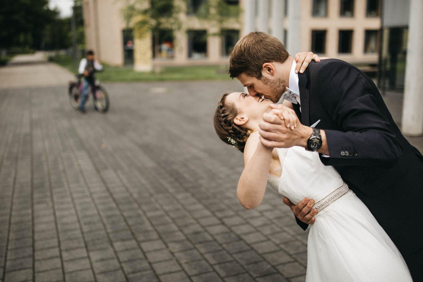 Ein Prautpaarshooting das viel Spaß macht - Raissa + Simon Fotografie