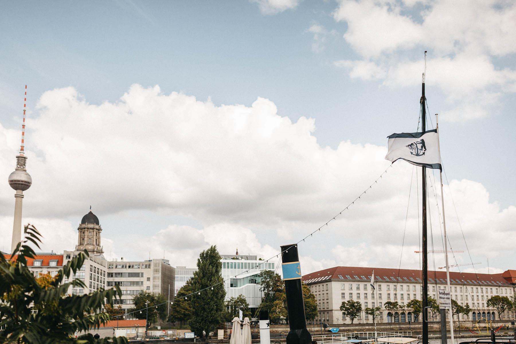 raissa simon fotografie nadine harm hochzeit 2 schiff spree 004 - Nadine + Harm