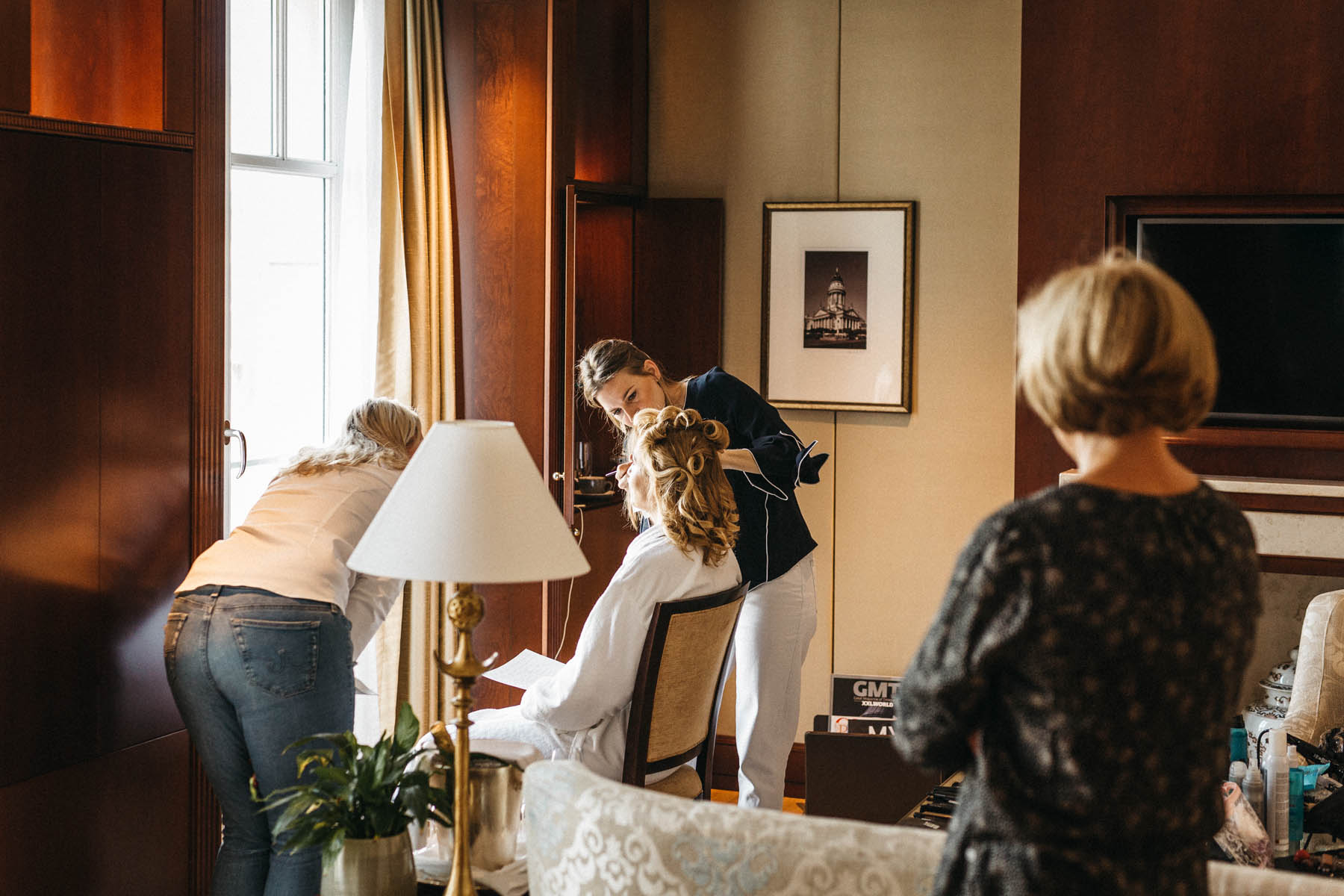 Raissa + Simon Fotografie | Moderne-Hochzeitsreportage-Berlin-Trauung-Schiff-Hotel-Adlon