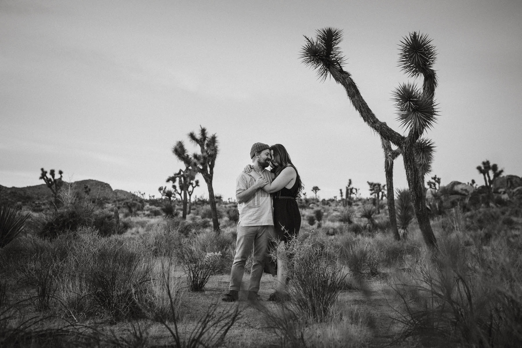 Amazing Couple Shooting in Joshua Tree National Park - Raissa + Simon Fotografie