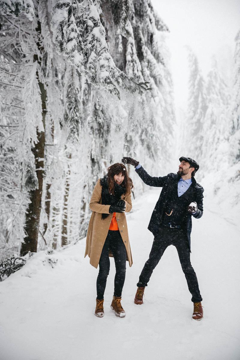 raissa simon fotografie paarshooting nais andre winter schwarzwaldhochstrasse 08 - Naïs + André