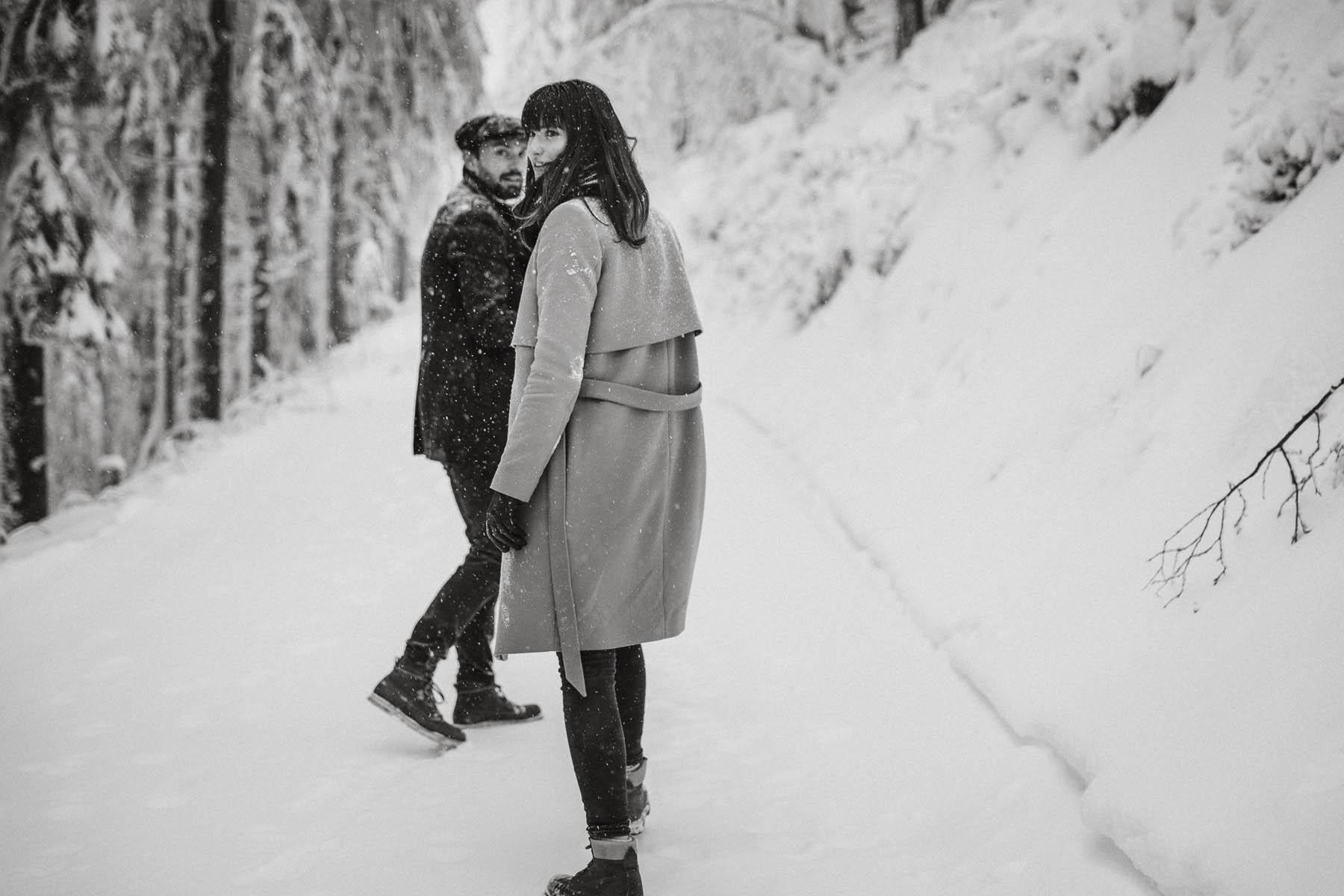 raissa simon fotografie paarshooting nais andre winter schwarzwaldhochstrasse 18 - Naïs + André
