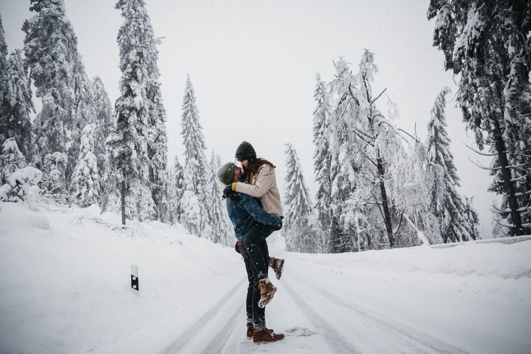 raissa simon fotografie paarshooting nais andre winter schwarzwaldhochstrasse 39 - Naïs + André