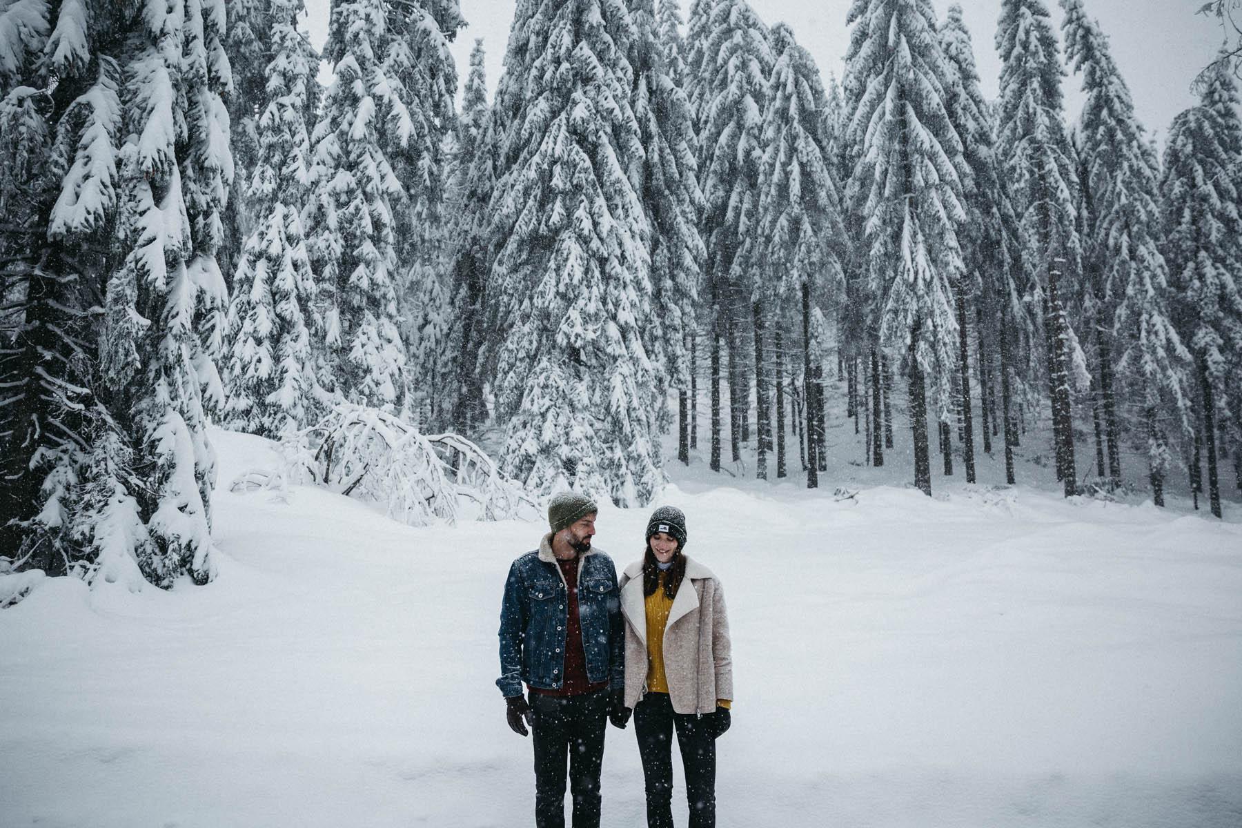 raissa simon fotografie paarshooting nais andre winter schwarzwaldhochstrasse 64 - Naïs + André