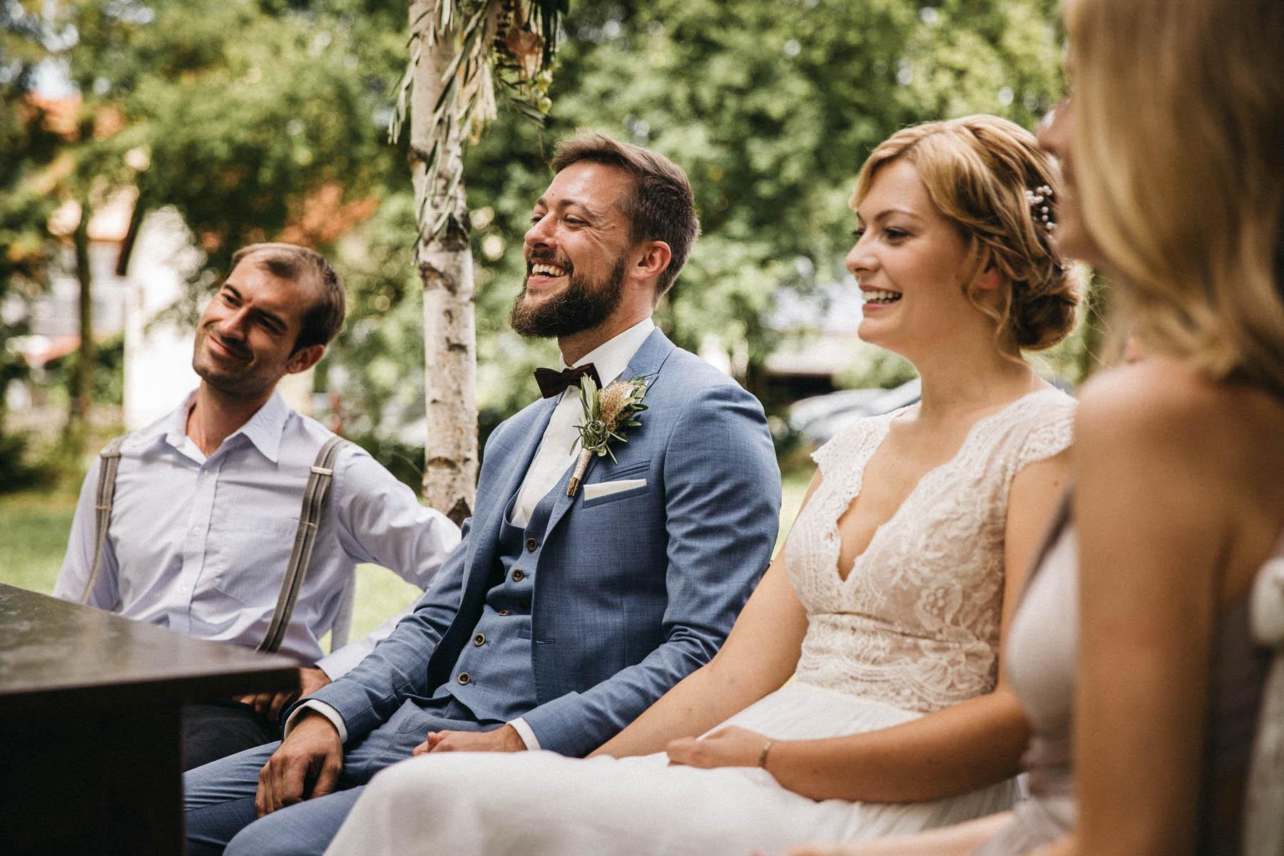 Boho, vintage Hochzeit im Wasserschloss Kleinbardorf in Unterfranken | Raissa + Simon Fotografie