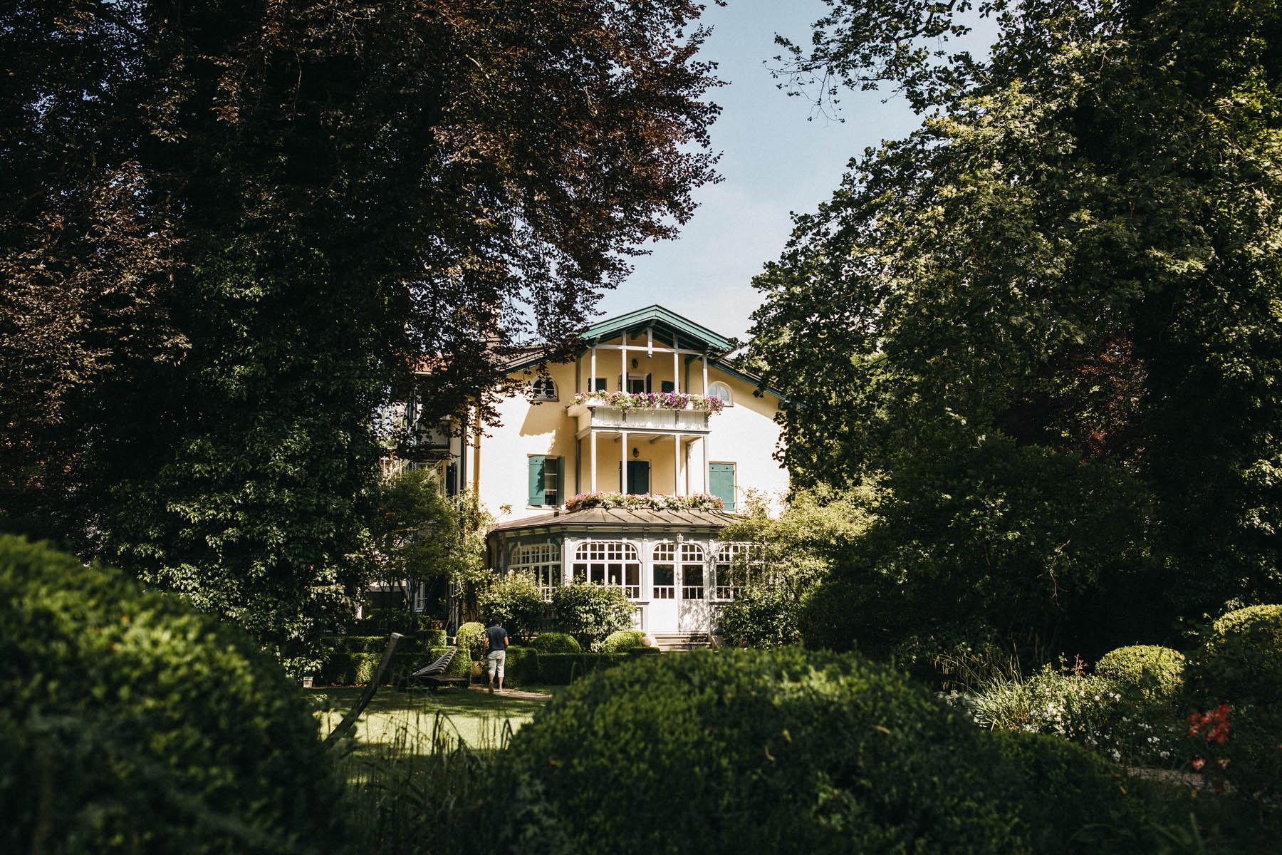 raissa simon fotografie hochzeit vintage starnberger see la villa 002 - Patricia + Maximilian