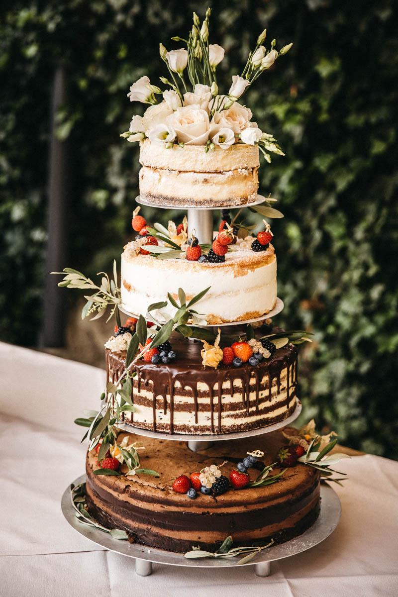 Hochzeitstorte, Naked Cake an der La Villa am Starnberger See | Raissa + Simon Fotografie