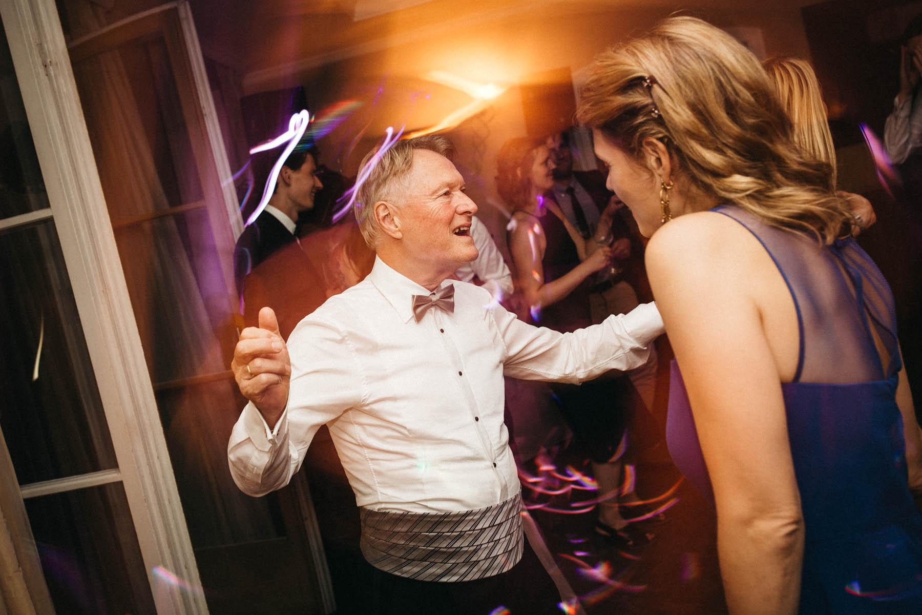 Party time bei der Hochzeit in der La Villa am Starnberger See | Raissa + Simon Fotografie