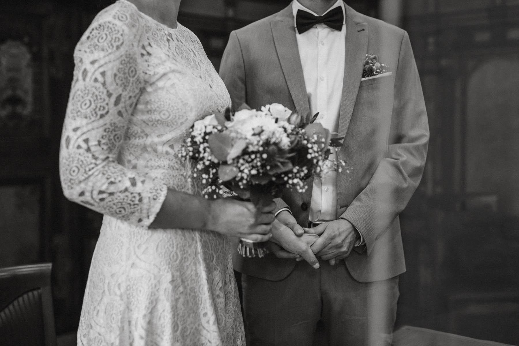raissa simon fotografie elopement freiburg standesamt 010 - Julia + Tobias