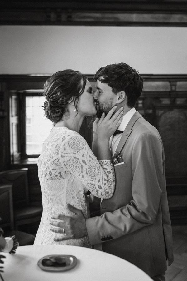 raissa simon fotografie elopement freiburg standesamt 015 - Julia + Tobias