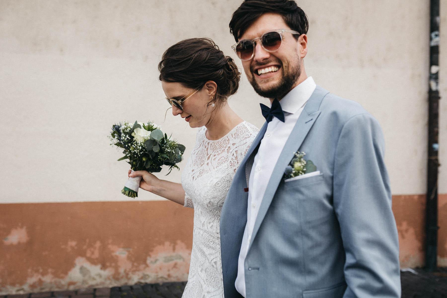 raissa simon fotografie elopement freiburg standesamt 044 - Julia + Tobias