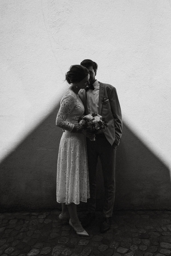 raissa simon fotografie elopement freiburg standesamt 051 - Julia + Tobias