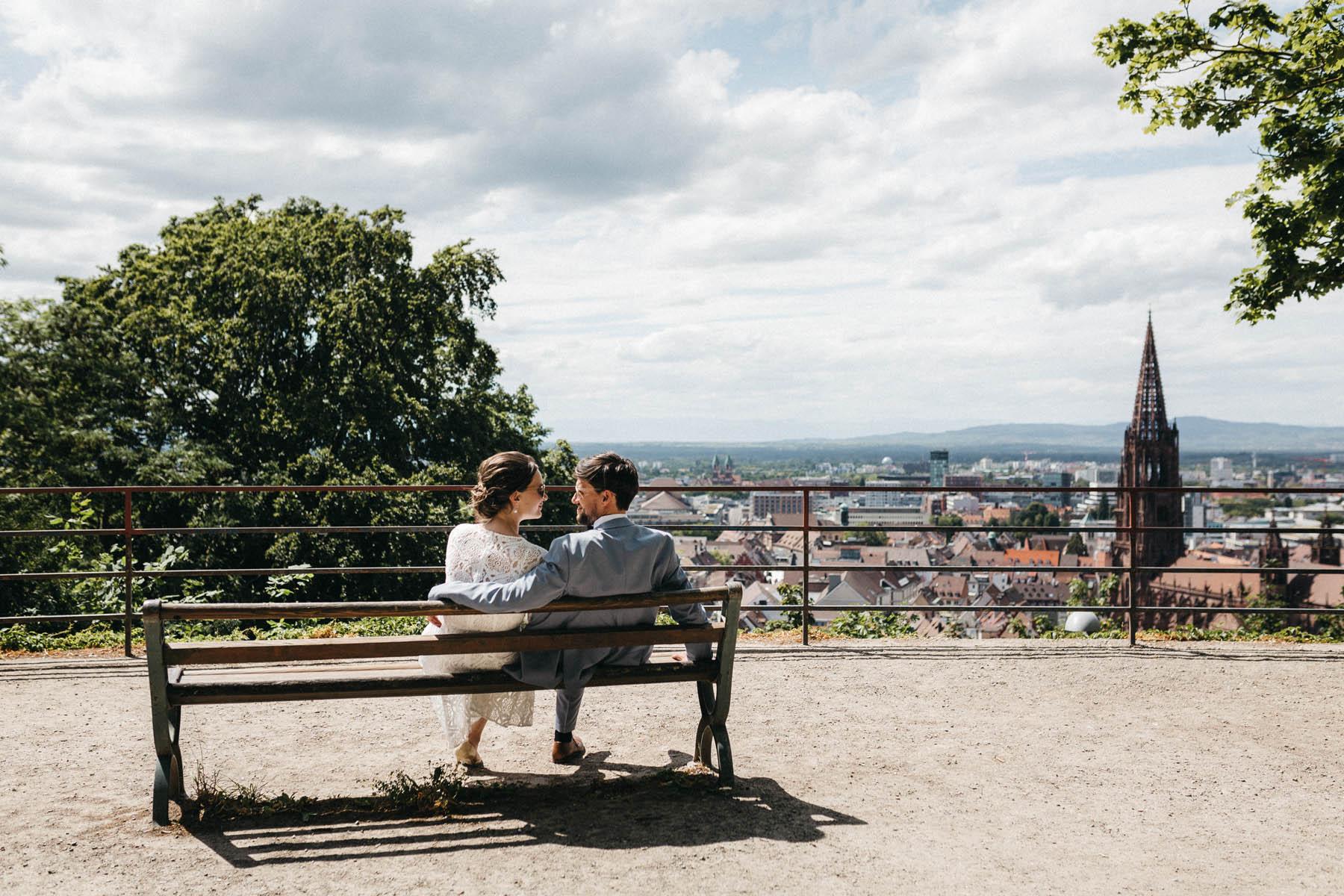 raissa simon fotografie elopement freiburg standesamt 069 - Julia + Tobias